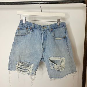 Levi's Distressed cut off shorts